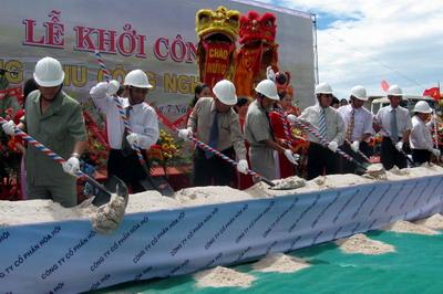 Khởi công xây dựng KCN Hòa Hội.
