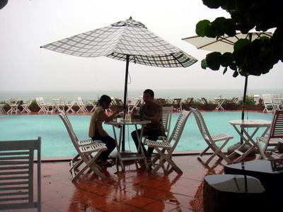 Các quán cà phê mới xuất hiện ở Quy Nhơn được thiết kế và trang trí theo phong cách mới lạ.