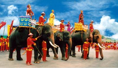 Tái hiện hình ảnh Vua Quang Trung tại Festival Tây Sơn - Bình Định 2008. Ảnh: Đăng Huy