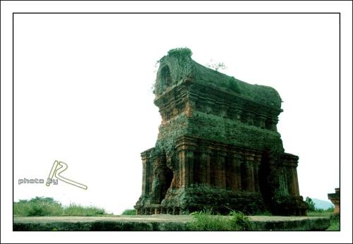 Tháp Bánh Ít (by RUI)