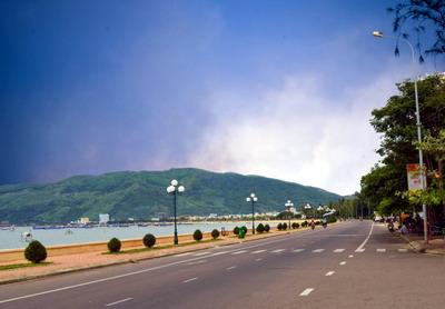Việc quy hoạch mở đường Xuân Diệu đã tạo nên vẻ đẹp cho đô thị Quy Nhơn. Ảnh: Trần Sự