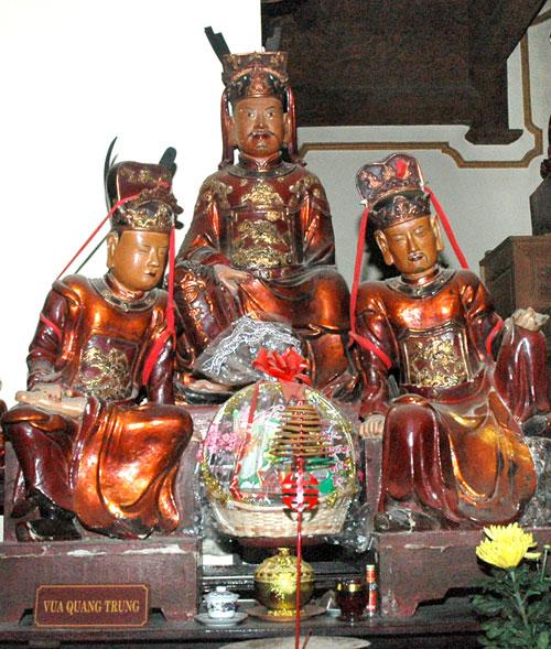 Tượng Quang Trung ở Chùa Bộc, Đống Đa, Hà Nội.